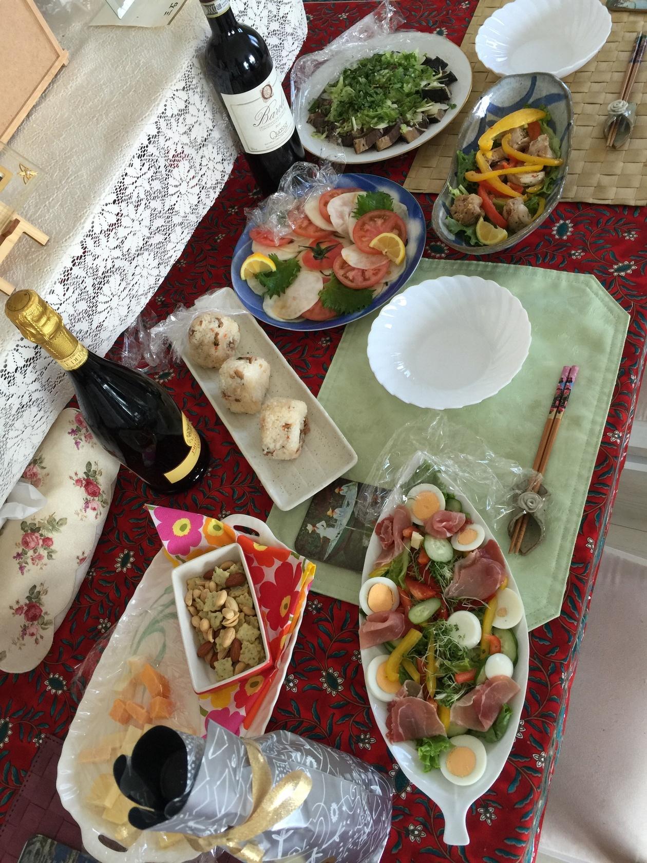 ヘルシーな和食料理、素朴な家庭料理を中心にお料理致します